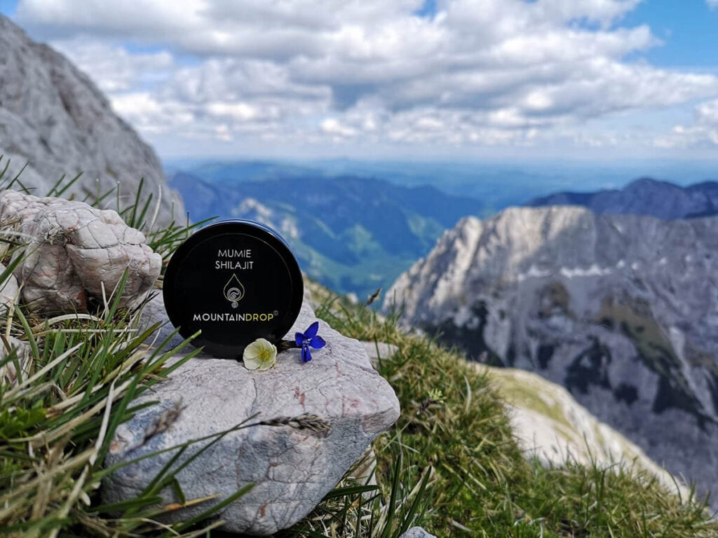 Shilajit in the mountains
